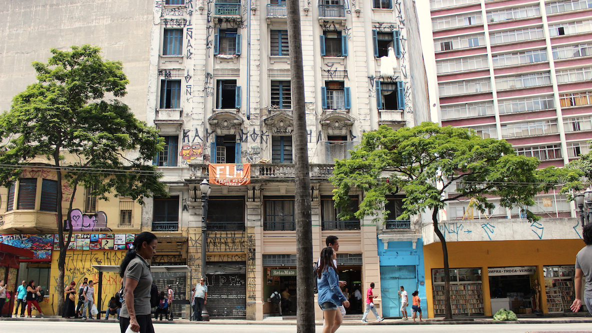 Hotel Columbia Palace, occupied since 2010, it is located in downtown's famous corner, São João x Ipiranga