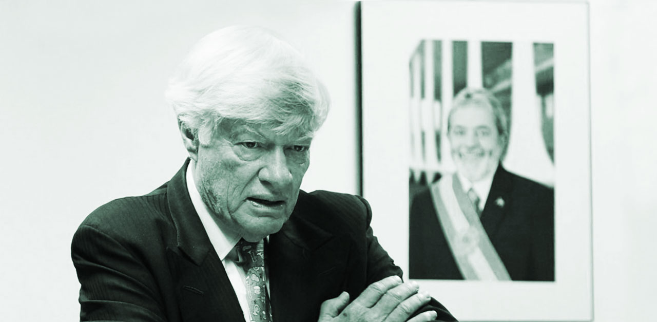 UN Lawyer Geoffrey Robertson to monitor Lula's appeal hearing