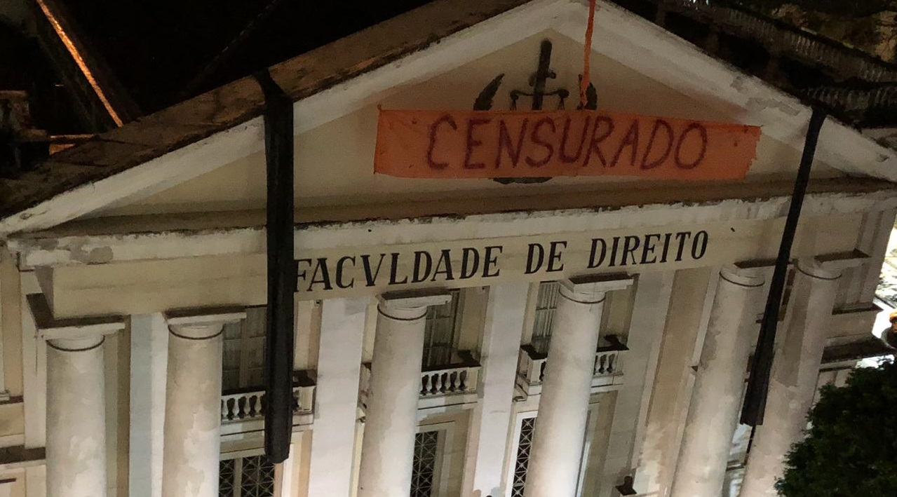 Police raid Brazilian universities, pull down anti-fascist banners