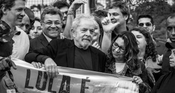 "Lula promises to help ""free Brazil from the insanity"""