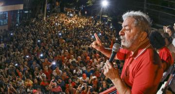Lula speaking in Sao Paulo. Photo: Jornalistas Livres