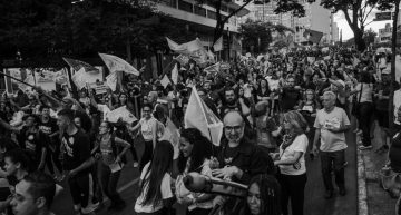 Anti-austerity protests: Students and Unions paralyze 200 cities